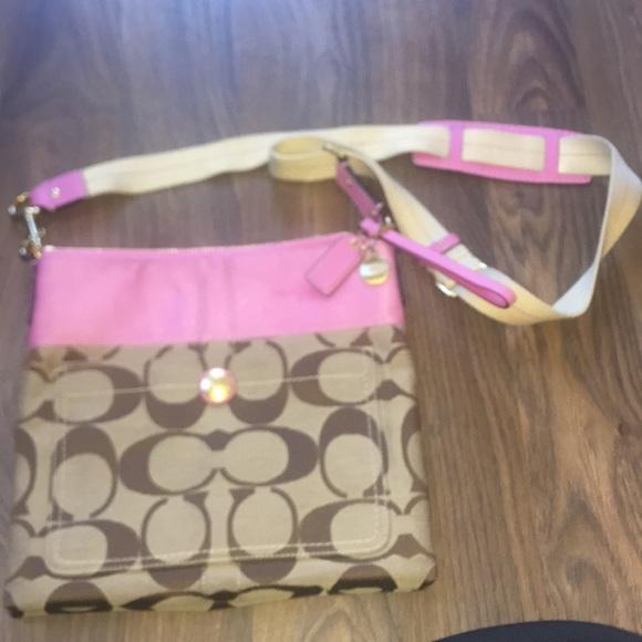 Coach Handbags - Coach Tote 👜 crossbody signature and pink